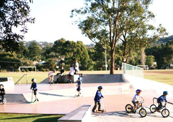 Сидней. Cromer Park. На самокатах, велосипедах и скейтах