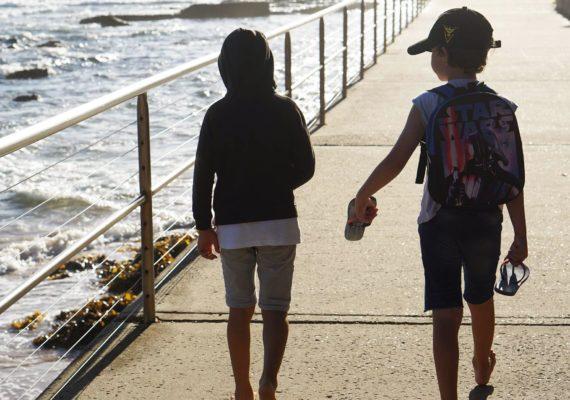 Сиднейский быт. Воскресное утро мальчишек